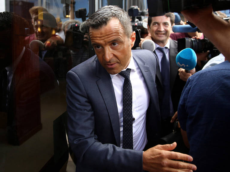 Agentes de futebol sinalizam disputa na Justiça contra a Fifa