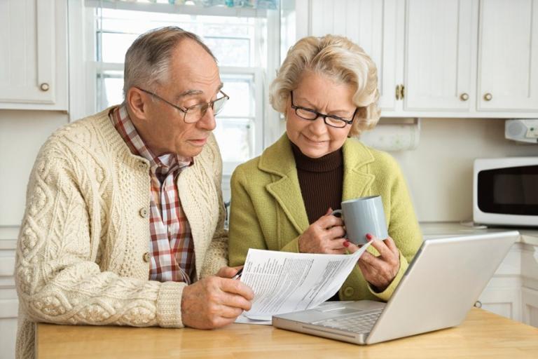 Aposentado com outros rendimentos precisa informar no IR o valor de todas as fontes pagadoras?