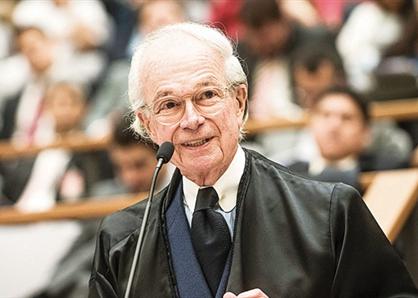 Pedro Gordilho apresenta aula virtual em curso de pós-graduação